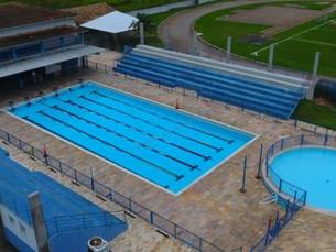 Aulas de Natação no Cemug, em Caraguá, são suspensas para manutenção da piscina