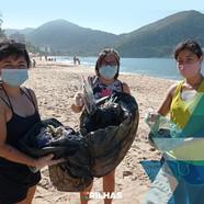 Ação de limpeza de praia retirou 120 litros de lixo da praia Martim de Sá