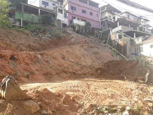 Morro da Carioca, em Angra dos Reis, recebe muro de contenção