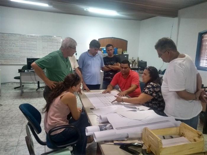 Reunião para verificar projeto de reurbanização do bairro Jabaquara - Foto: Divulgação/PMP