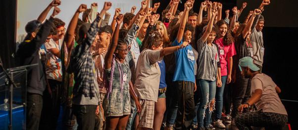 """Versão brasileira do festival adolescente """"Vamos que Venimos"""" recebe inscrições para edição virtual"""