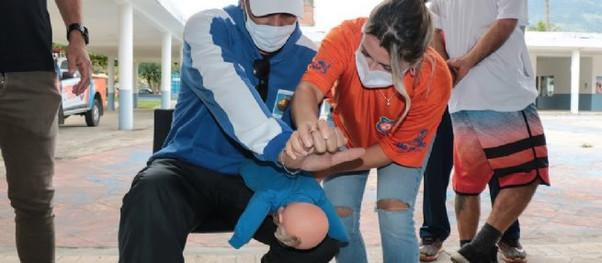 São Sebastião promove treinamento de resgate urbano a funcionários da Secretaria de Esportes