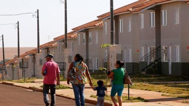 Programa Minha Casa, Minha Vida foi mantido por Michel Temer, mas gastos foram reduzidos