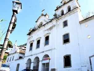 Ruínas do Convento São Bernardino de Sena, em Angra, são restauradas