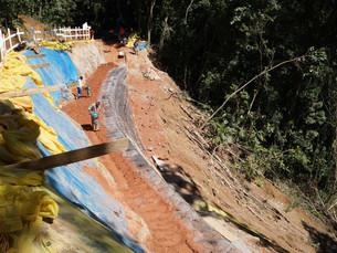 Estrada do Castelhanos continua em obras entre os km 9 e 10