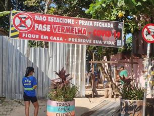 São Sebastião fecha entrada de praias durante feriado antecipado em São Paulo