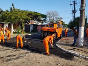 Caraguá inicia obras de recapeamento em vias da cidade