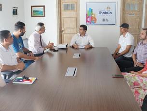 Prefeito de Ilhabela recebe representantes do projeto do plano de cargos e carreira