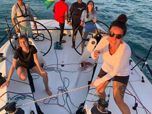 Escola de vela Lars Grael proporciona curso de vela só para mulheres