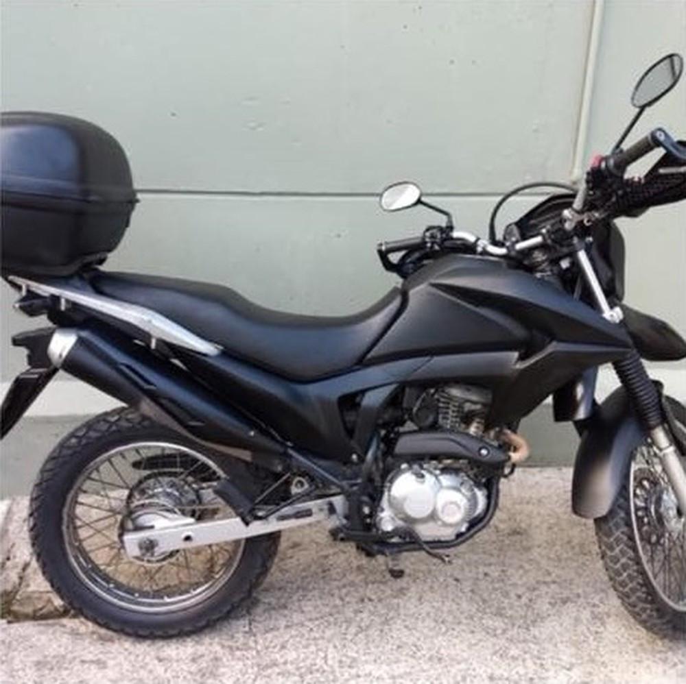 Vítimas relatam que homem fazia abordagens a bordo de uma moto - Foto: Divulgação/Polícia Civil