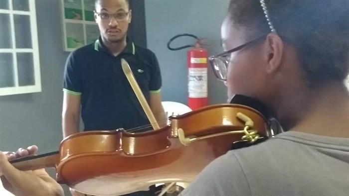Aulas de música na Casa da Ilha - Foto: Divulgação/PMI