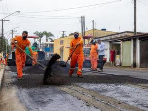 Principal avenida comercial da Costa Norte ganha asfalto