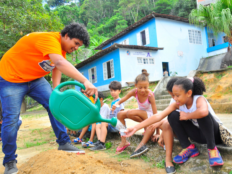 O objetivo é estimular a alimentação saudável - Foto: Divulgação/PMAngra