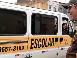 Prefeitura de Caraguá alerta usuários do transporte escolar para cuidados antes da contratação do se