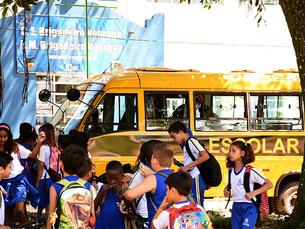 Ilha Grande tem novo ônibus para transporte de alunos da educação infantil