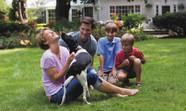 Em casa com o pet. Como espantar o tédio com ajuda dos animais de estimação.