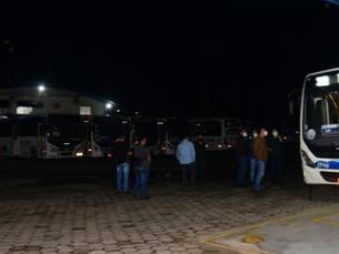 Prefeitura de Caraguatatuba barra circulação de 11 ônibus da Praiamar em vistoria
