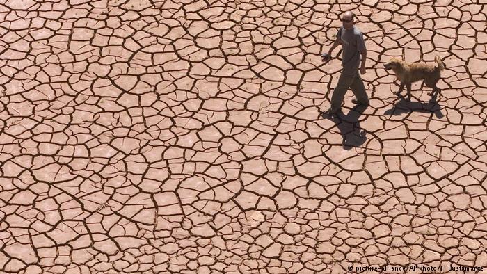 Acordo de Paris prevê aumento de no máximo dois graus Celsius acima dos níveis pré-industriais