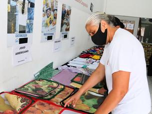 Bazar Solidário do Fundo Social de Caraguatatuba expõe itens de decoração de mesa