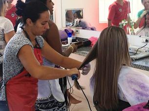 Inscrições para os cursos de Assistente de Cabelo, Maquiagem e Manicure são prorrogadas