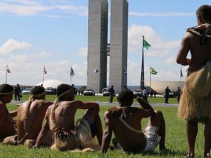 A luta dos indígenas para não serem esquecidos em Brasília
