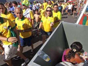 Ajudar o próximo? Brasil despenca no ranking mundial de solidariedade