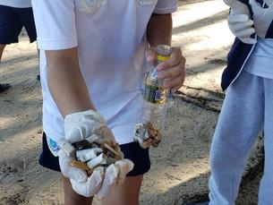Alunos das escolas municipais de Ilhabela recolhem bitucas de cigarro e participam de oficina de pap