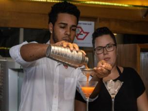 Centro Profissionalizante de São Sebastião forma bartenders em Cambury