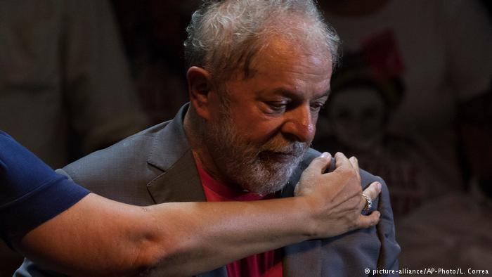 Condenado a mais de 12 anos de prisão, Lula está detido em Curitiba desde 7 de abril