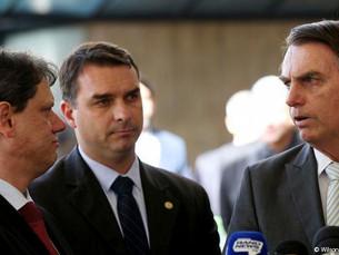 Ex-assessor de Flávio Bolsonaro falta mais uma vez a depoimento