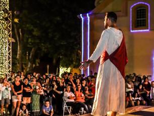 Auto de Natal emociona centenas de fiéis na Praça da Igreja Matriz de São Sebastião