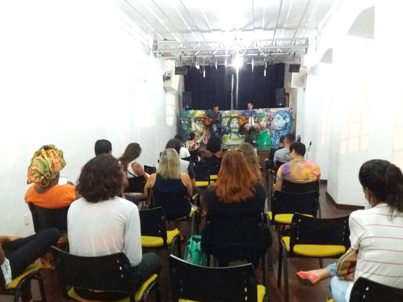 Evento aconteceu na Casa de Cultura a reuniu jovens atores e poetas do município - Foto: Divulgação/PMAngra