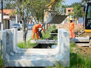 Obras de drenagem na Avenida Brasília continuam e Prudente de Moraes já recebe revitalização, em Car