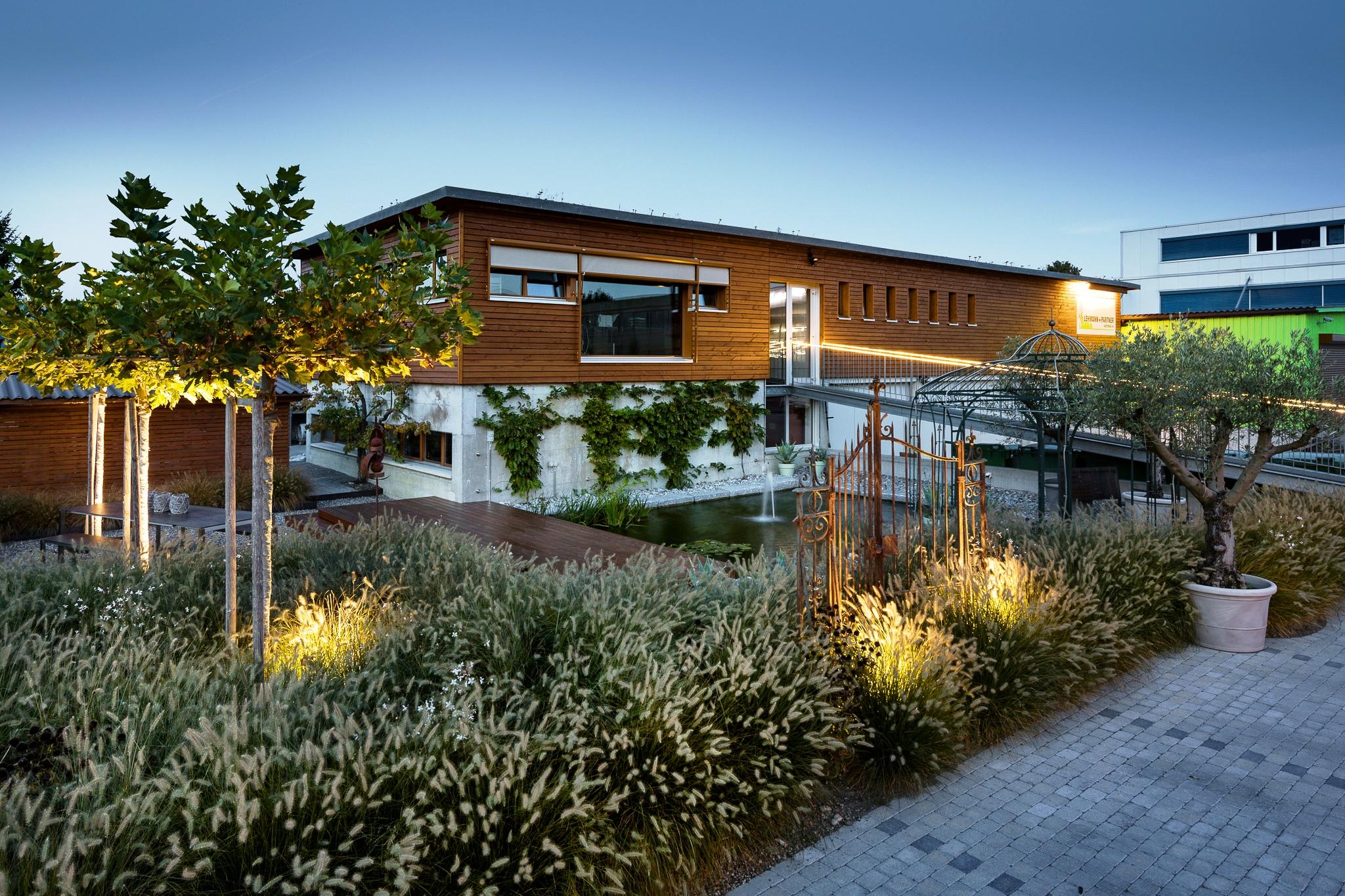 Lehmann Gartenbau Ipsach Nacht