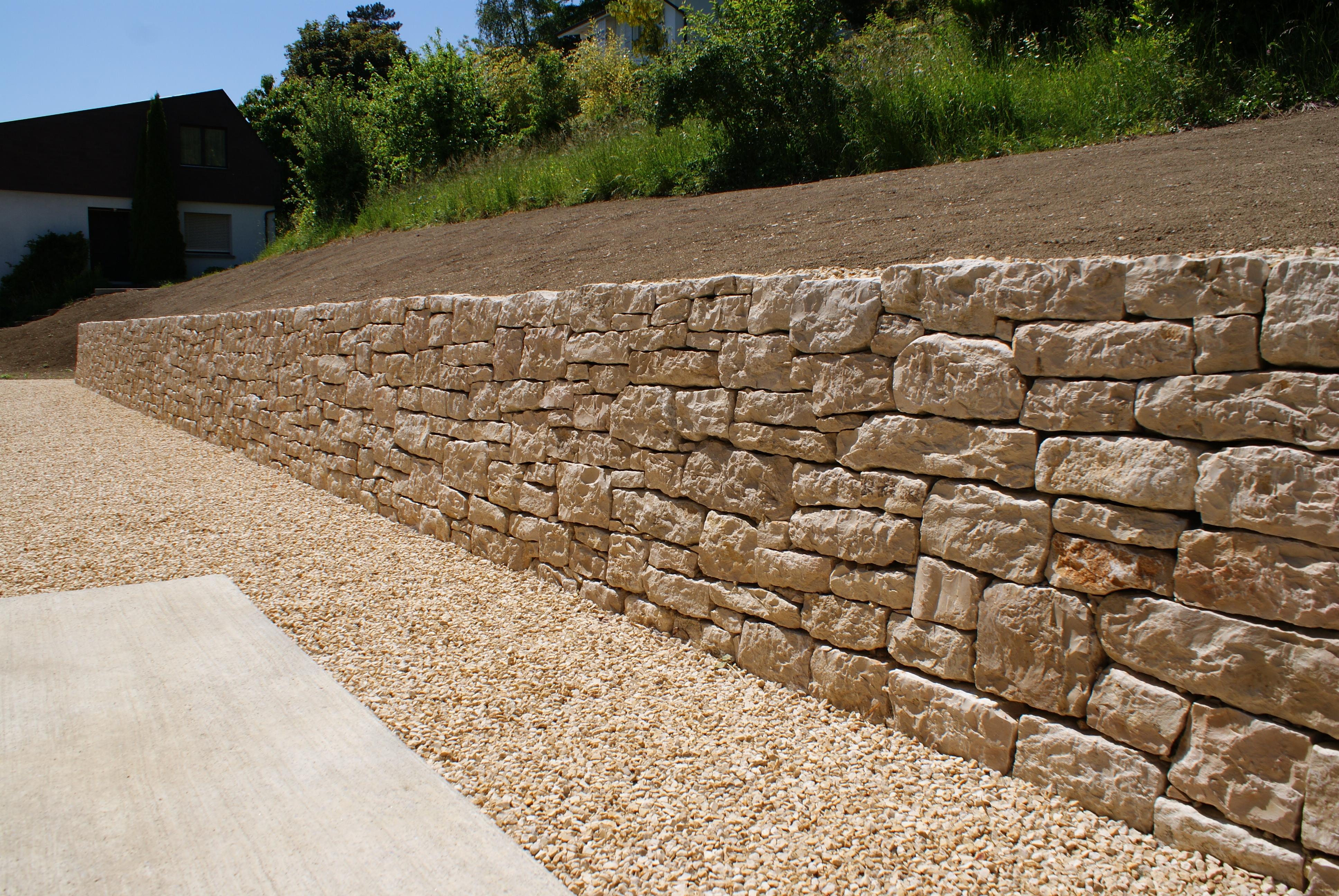 Gartenbau - Steinmauer