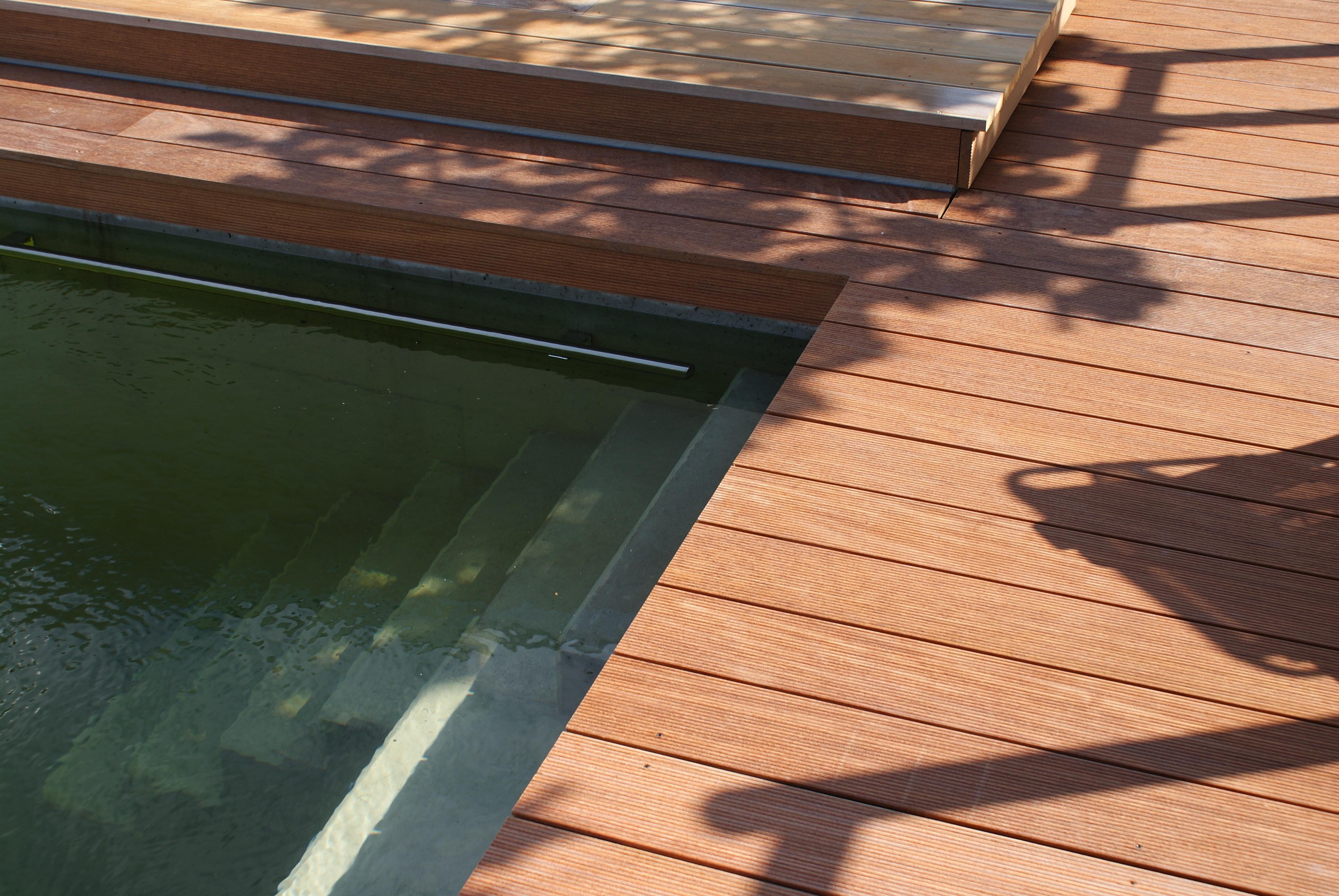 Terrassenbau aus Holz