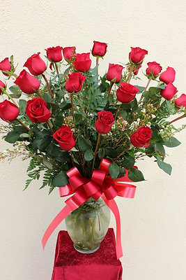2 Dozen Roses arranged