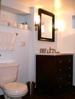 Beautifully renovated main bathroom