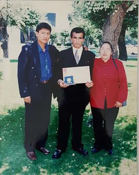 presea-bernardo-quintana-arrioja-merito-excelencia-academica-2001-foto-familia-instituto-politecnico-nacional-ingeniero-biotecnologo-victor-hugo-gomez-hernandez.jpg