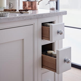 Get your storage right and you'll enjoy a sense of order that will make your kitchen work like a dream. Opt for attractive oak spice drawers and you'll enjoy a decorative feature too.