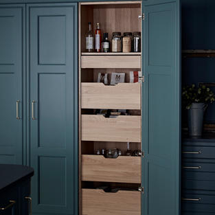 Boost your storage hugely with the inclusion of a SpaceTower, an attractive alternative to wirework, boasting up to three times the load capacity.