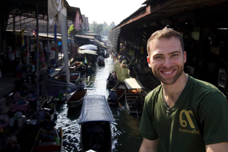 Damnoen_Saduak_Floating_Market_Thailand_Davidsbeenhere.jpg