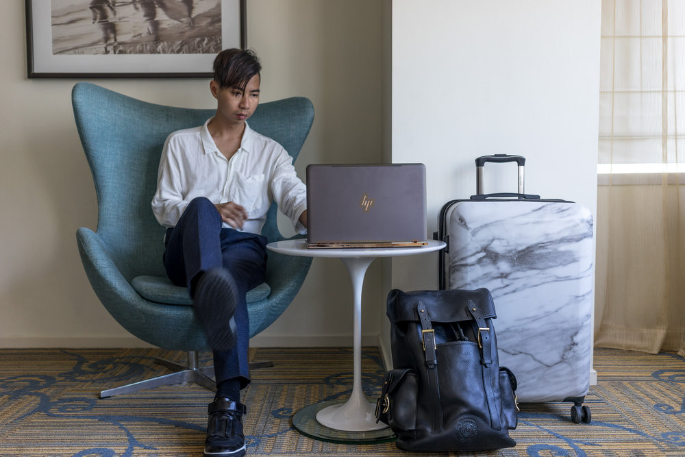 Grey, gold and incredibly chic. Tommy's HP Spectre review blew away the comment feed on MYBELONGING.com!
