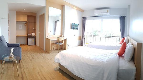Sleeping Tree Hotel.jpg