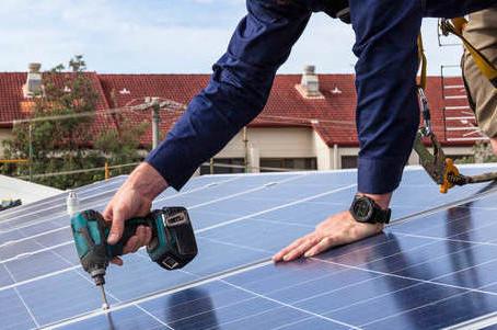 Quantos painéis solares são necessários para minha casa ou comércio?