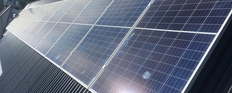 Instalação fotovoltaica residencial.jpg