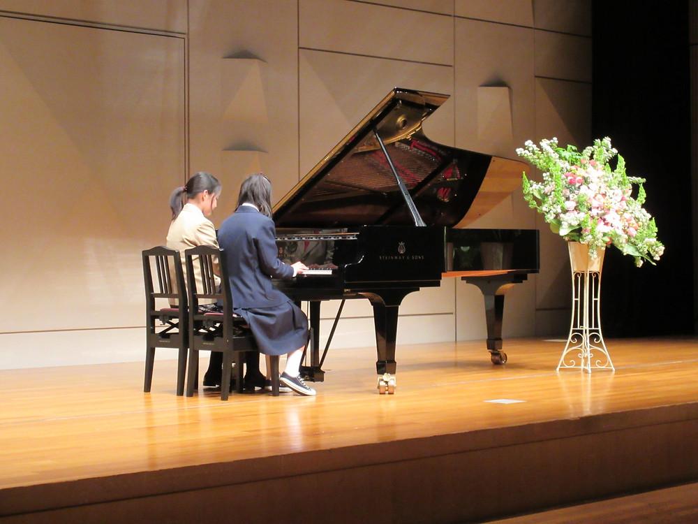 内丸ピアノ教室 ピアノ発表会 文京区シビックセンター 母と娘連弾