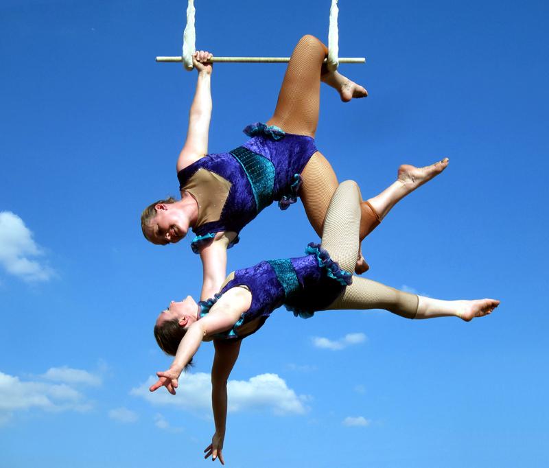 Bella Kinetica, Doubles trapeze