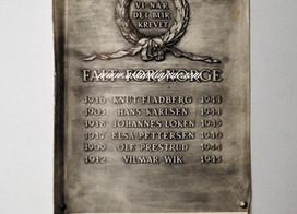 Originalt program.Avdukingen av minnetavlen 8.mai 1946 over de ansatte v/Askim gummivarefabrik