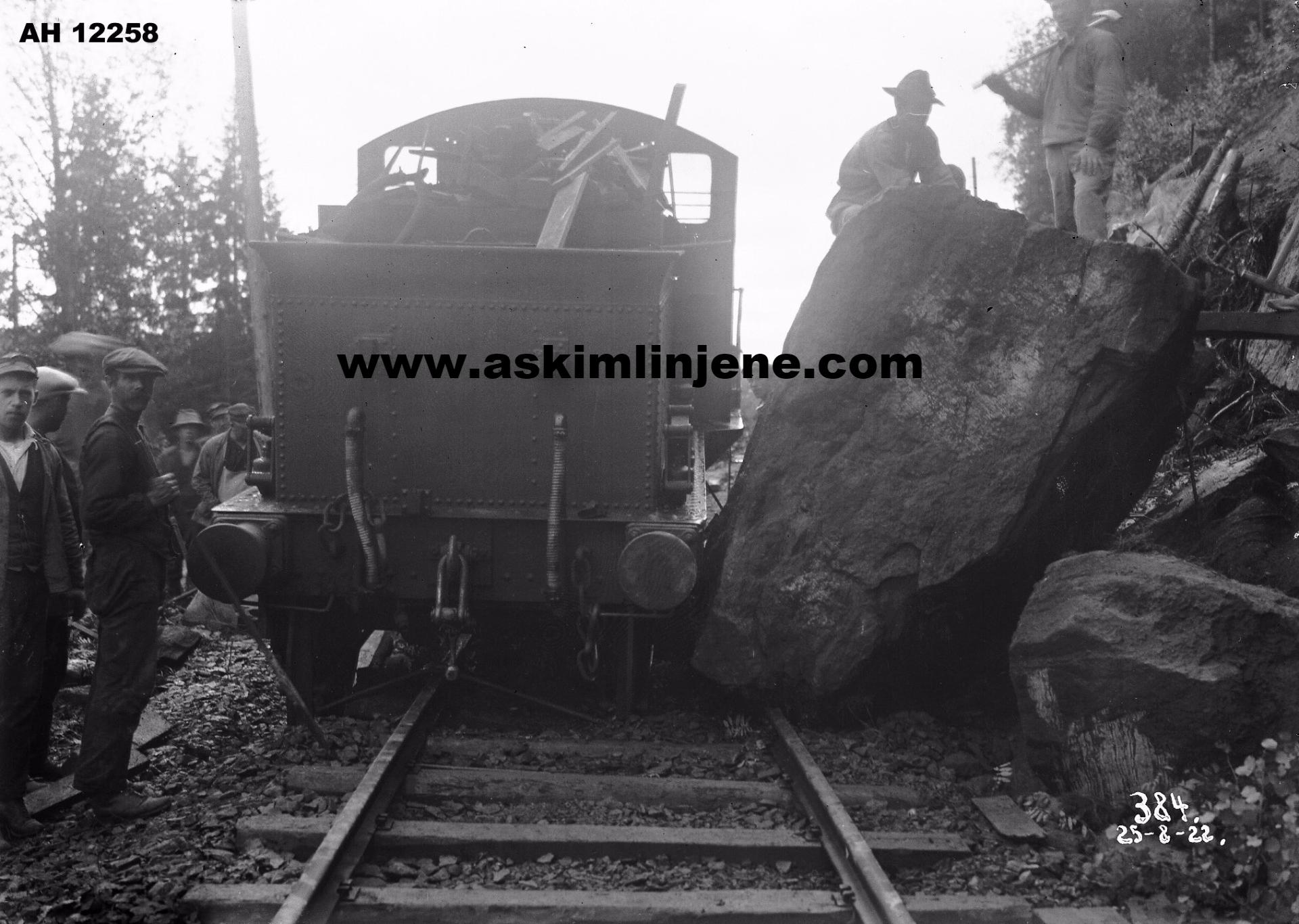 Avsporing og ras på Solbergfossbanen